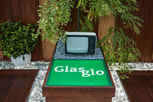 Glasglo display with CRT screen